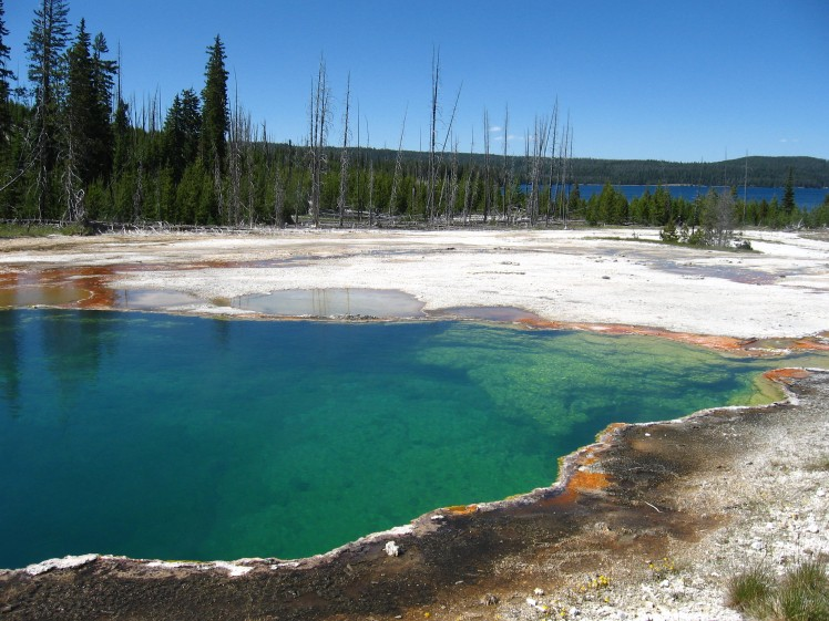 West Thumb Geyser Basin, Yellowstone Lake