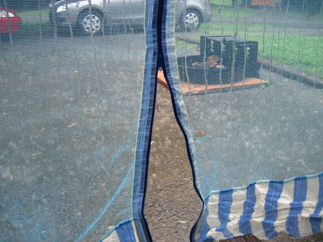 Rain on tent pad + fire grate